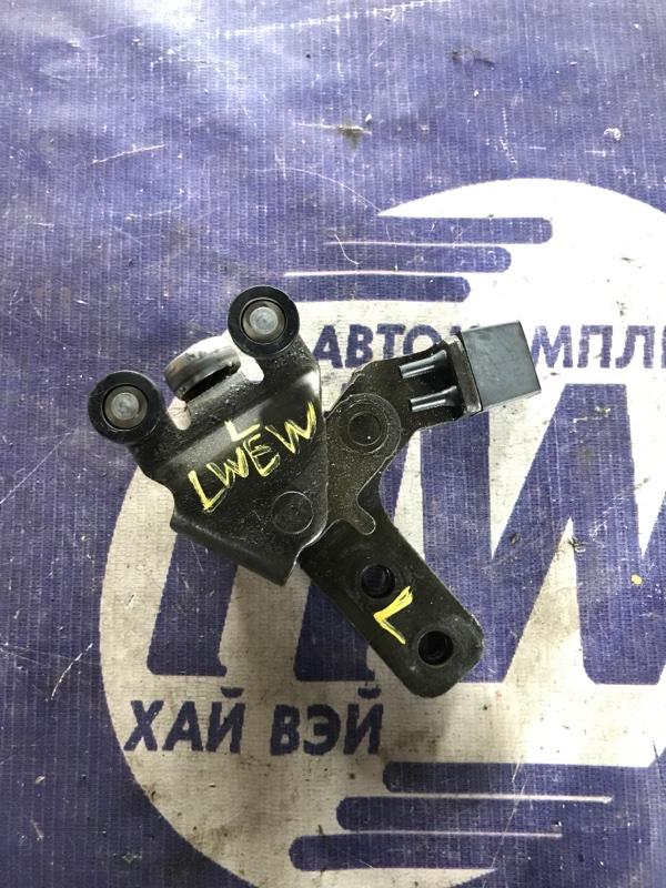 Ролик раздвижной двери Mazda Mpv LWEW FS левый (б/у)