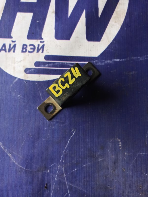 Крепление глушителя Nissan Cube BGZ11 CR14 (б/у)