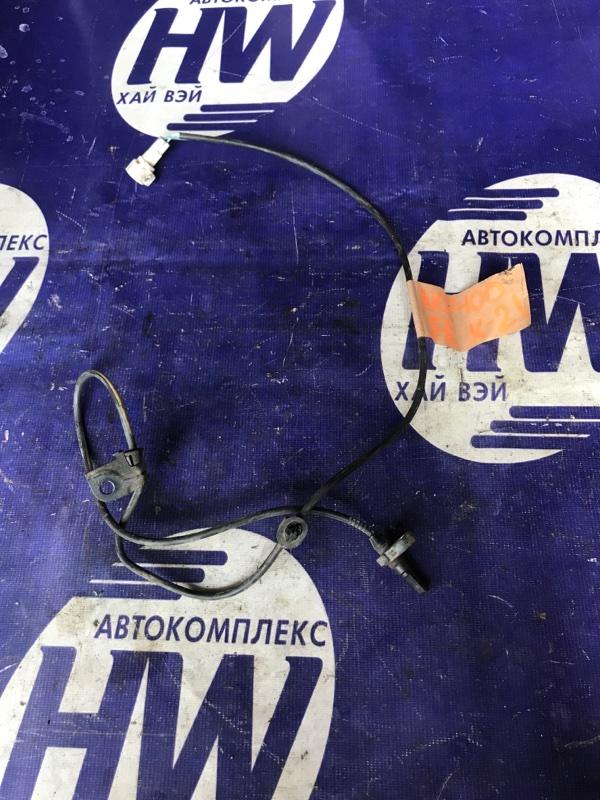 Датчик abs Toyota Ractis NCP100 1NZ передний левый (б/у)