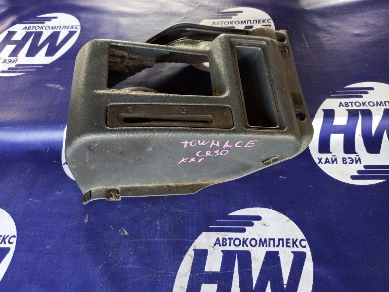 Бардачок между сидениями Toyota Town Ace CR30 2CT (б/у)