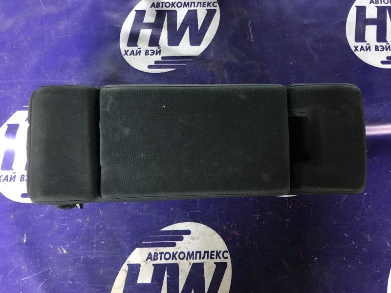 Подлокотник Nissan Cube YZ11 HR15 (б/у)
