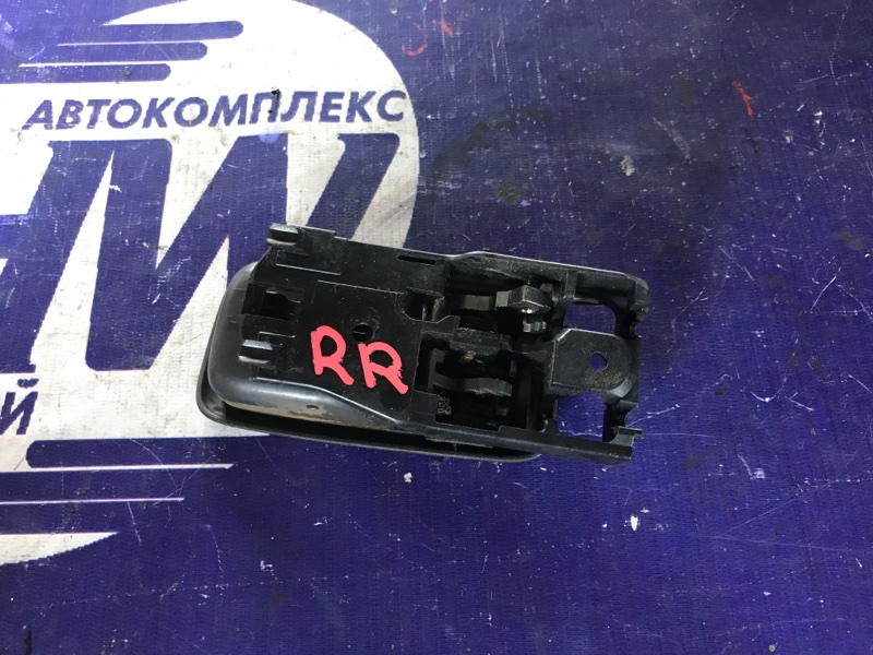 Ручка двери внутренняя Toyota Mark Ii GX110 1G задняя правая (б/у)