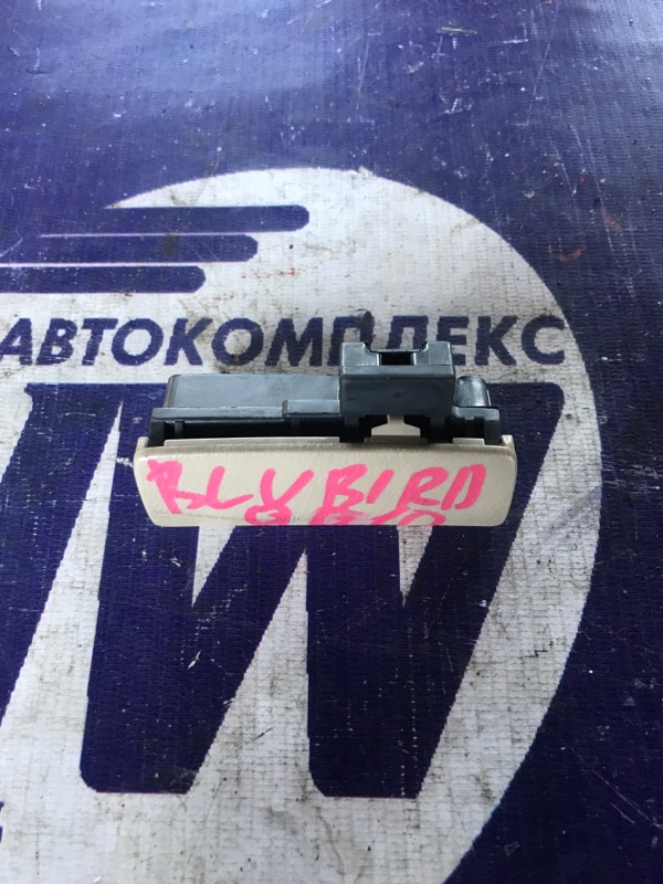 Замок бардачка Nissan Bluebird Sylphy QG10 QG18 (б/у)