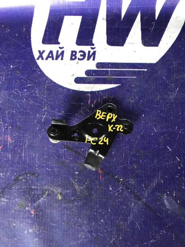 Ролик раздвижной двери Nissan Serena PC24 SR20DE правый верхний (б/у)