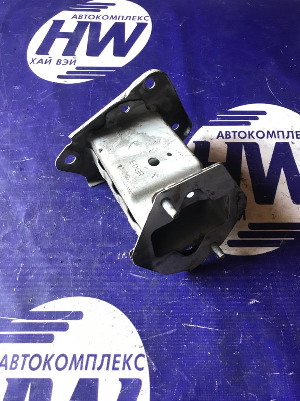 Жесткость бампера Nissan Tiida C11 HR15 передний (б/у)