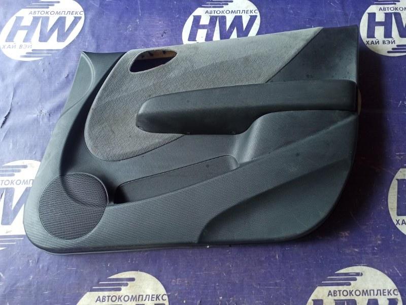 Обшивка двери Honda Fit GD1 L13A передняя правая (б/у)