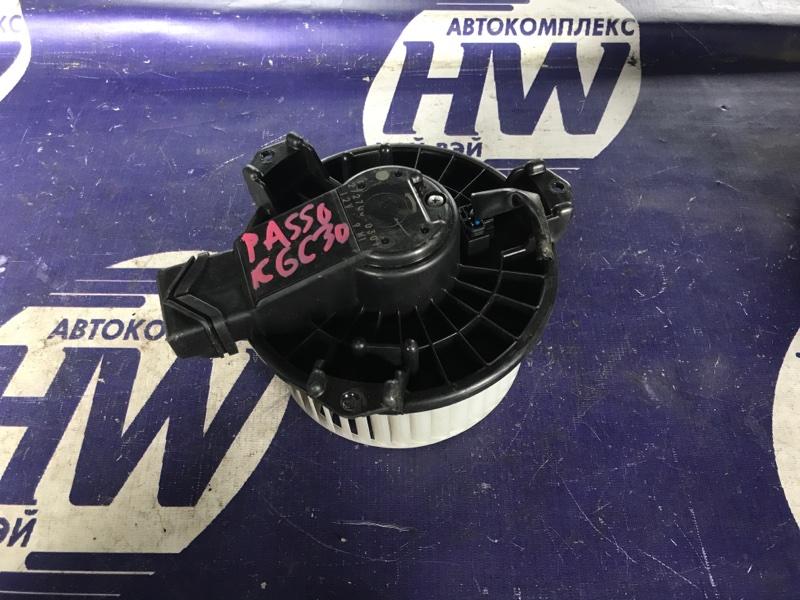 Мотор печки Toyota Passo KGC30 1KR (б/у)