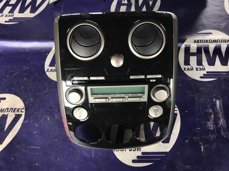 Консоль магнитофона Mazda Verisa DC5W ZY (б/у)