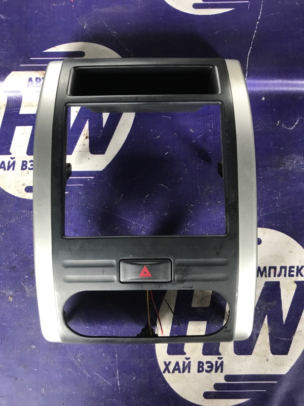 Консоль магнитофона Nissan X-Trail DNT31 M9R (б/у)