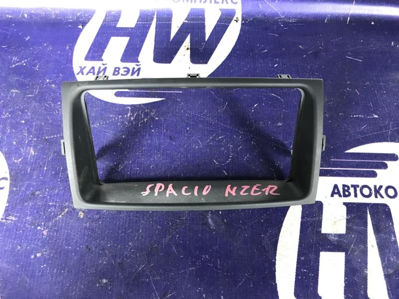 Консоль магнитофона Toyota Corolla Spacio NZE121 1NZ (б/у)