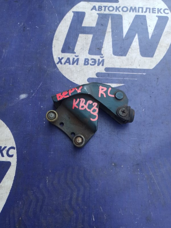 Ролик раздвижной двери Nissan Serena KBC23 SR20DE левый (б/у)