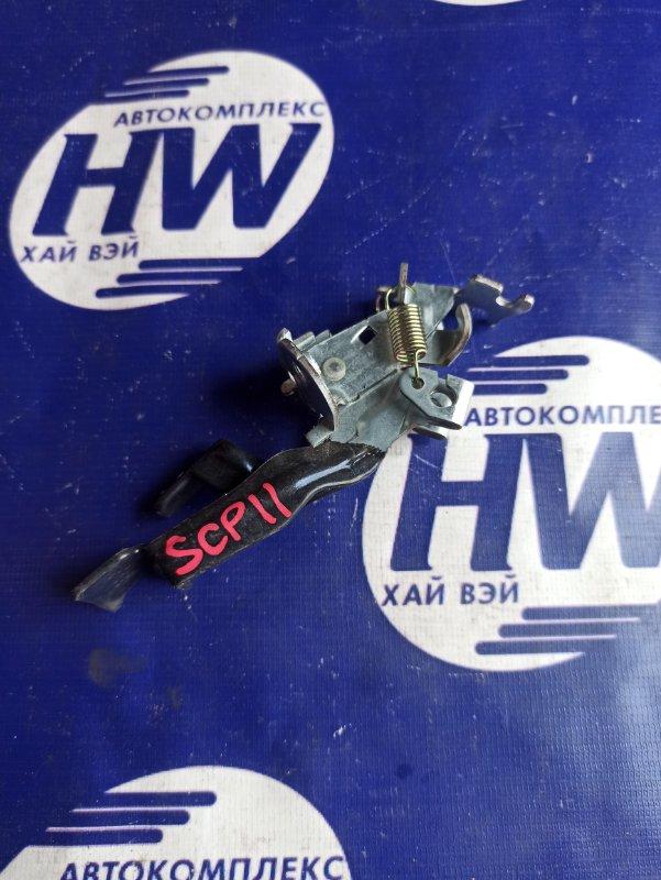 Ручка открытия багажника Toyota Platz SCP11 1SZ (б/у)