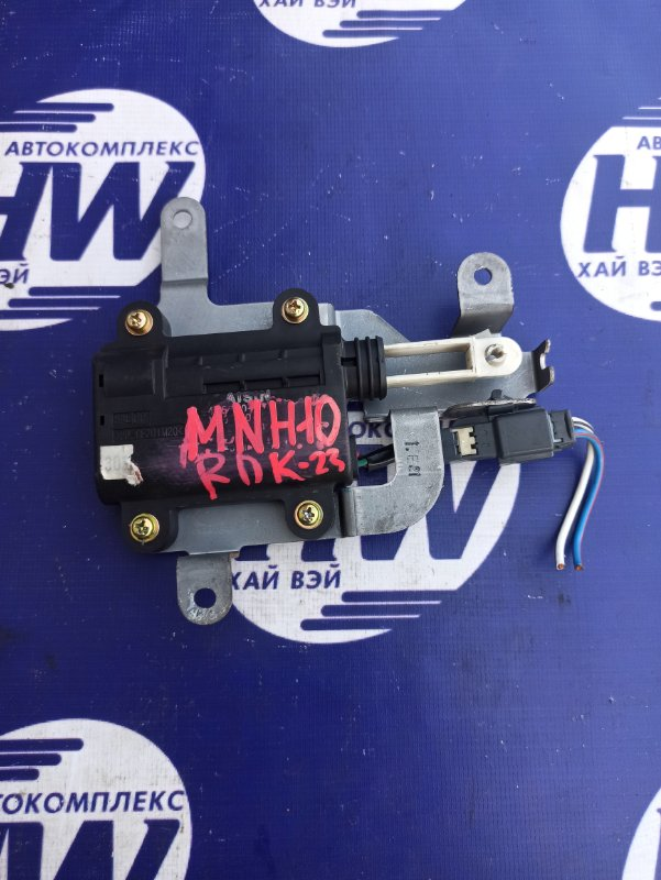 Моторчик привода заслонок печки Toyota Alphard MNH10 1MZ (б/у)