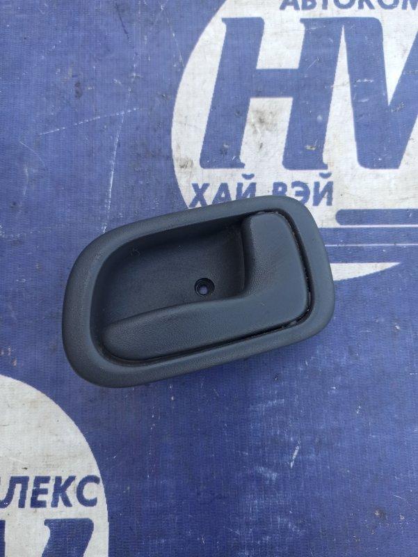 Ручка двери внутренняя Toyota Sprinter Carib AE115 7A задняя правая (б/у)