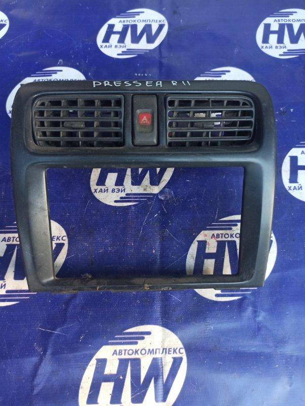 Консоль магнитофона Nissan Presea PR11 SR18 (б/у)