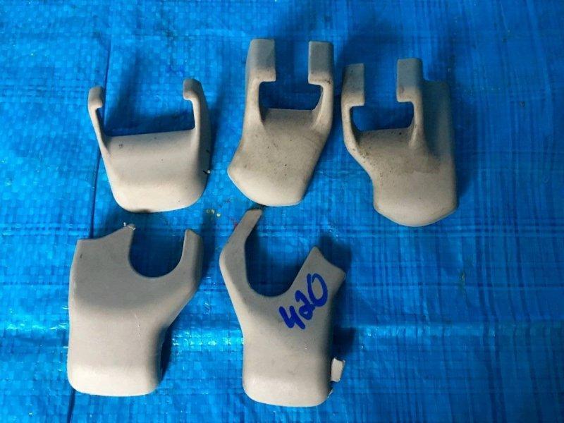 Заглушка крепления сиденья Toyota Brevis JCG15 1GFE (б/у)