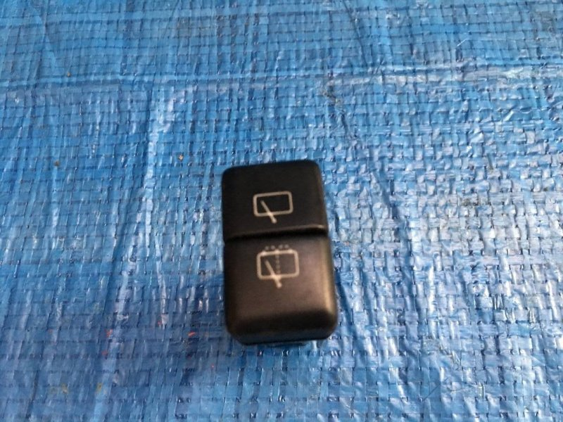 Кнопка заднего дворника Honda Horizon UBS25GWH 4JG2 задняя (б/у)