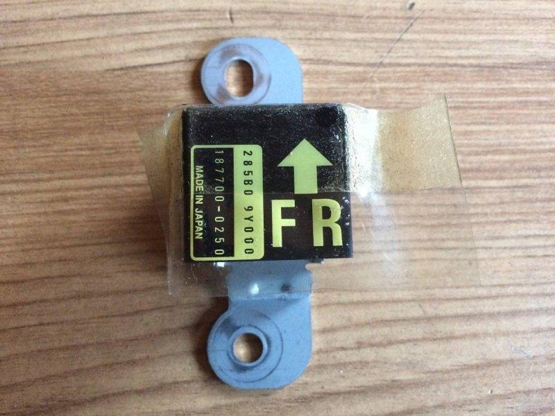 Датчик удара Nissan Fuga GY50 QR20DE (б/у)