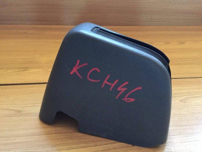 Кожух ручки ручника Toyota Grand Hiace KCH10 KCH10W KCH12 KCH16 KCH16W RCH11 RCH11W VCH10 VCH10W VCH16 VCH16W KCH46 KCH40 (б/у)