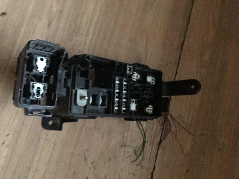 Блок предохранителей под капот Toyota Hilux Surf KZN185 1KZTE (б/у)