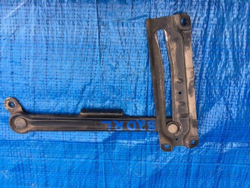 Ограничитель двери Isuzu Bighorn UBS25DW 4JX1 задний (б/у)
