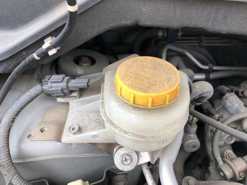 Бачок для тормозной жидкости Nissan Tino HV10 QG18DE (б/у)