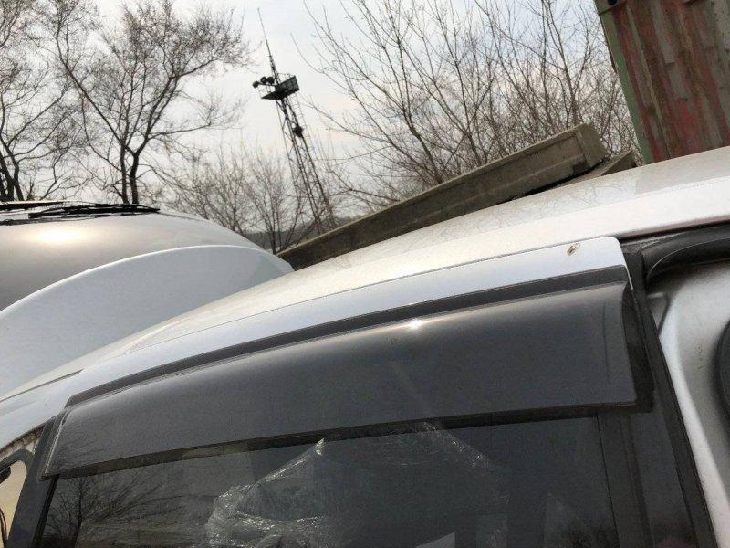 Ветровик Nissan Tino HV10 QG18DE задний правый (б/у)