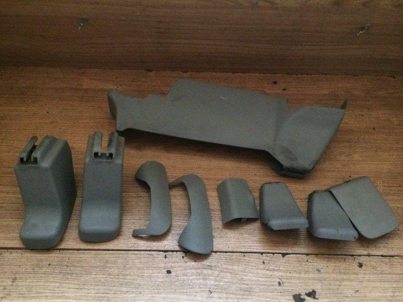 Заглушка крепления сиденья Nissan X-Trail NT30 QR20DE (б/у)