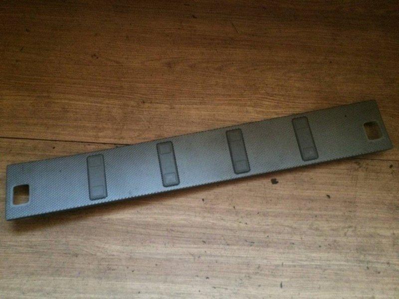 Обшивка багажника Nissan X-Trail NT30 QR20DE задняя (б/у)