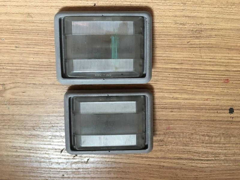 Светильник салона Mitsubishi Delica Space Gear PA4W 4D56 задний (б/у)