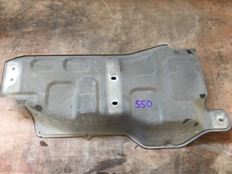 Защита топливного бака Mitsubishi Delica Space Gear PA4W 4D56 (б/у)