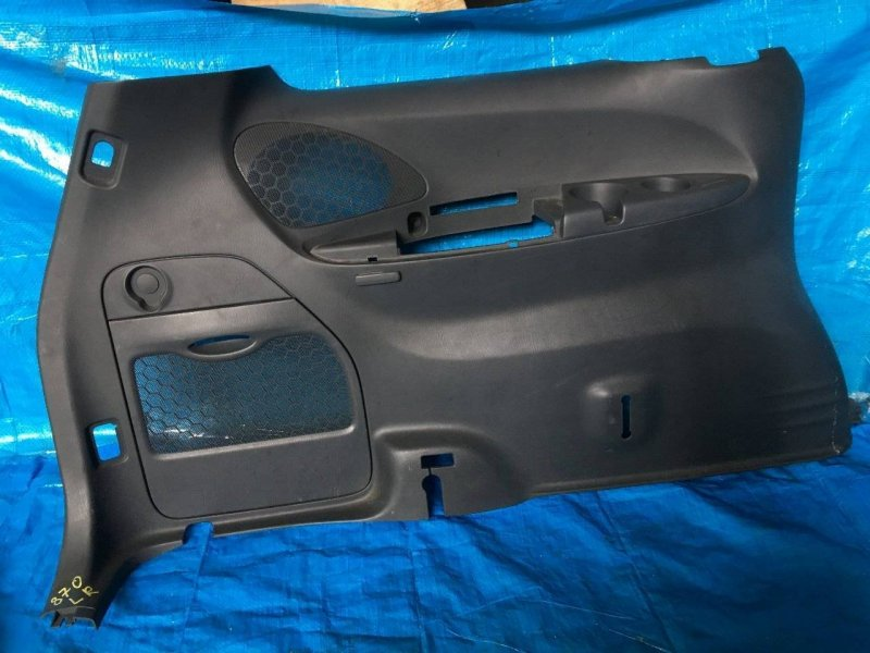 Обшивка багажника Mazda Mpv LW L3 левая (б/у)