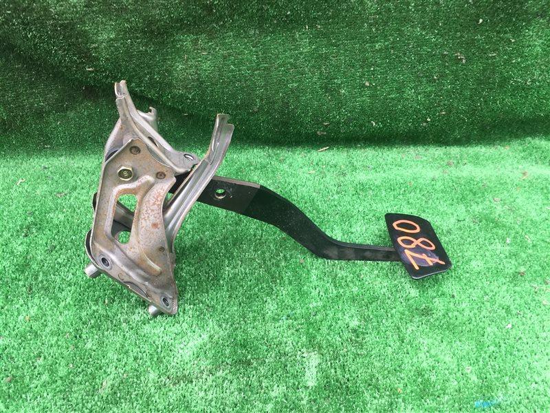 Педаль тормоза Toyota Crown GS151 GS151H JZS151 JZS153 JZS155 JZS157 LS151 LS151H 2JZGE 1999 (б/у)