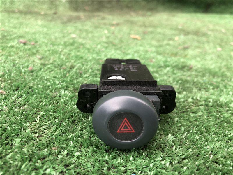 Кнопка аварийной сигнализации Toyota Corolla Ceres AE100 AE101 4AFE 1995 (б/у)