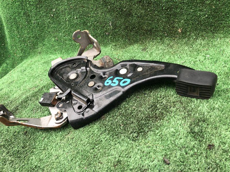 Педаль ручника Toyota Noah AZR60 AZR60G AZR65 AZR65G 1AZFSE 2004 (б/у)