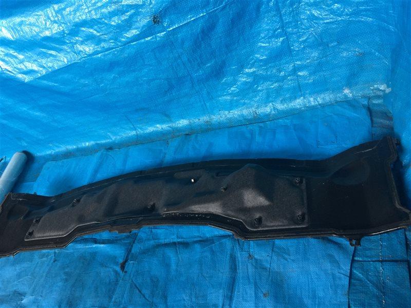 Решетка под дворники Nissan Tino HV10 V10 PV10 V10M SR20DE 1999 (б/у)