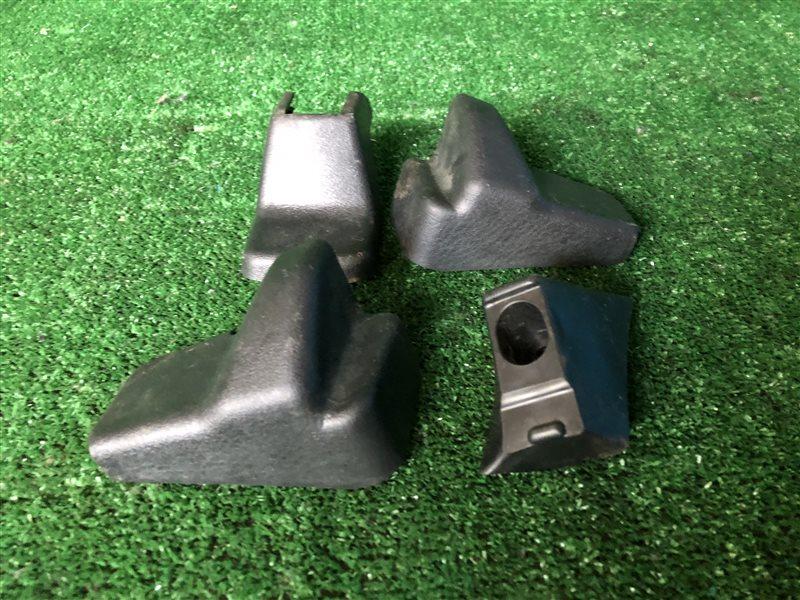 Заглушка крепления сиденья Nissan Cefiro A32 HA32 PA32 WA32 WHA32 WPA32 VQ20DE 1997 (б/у)