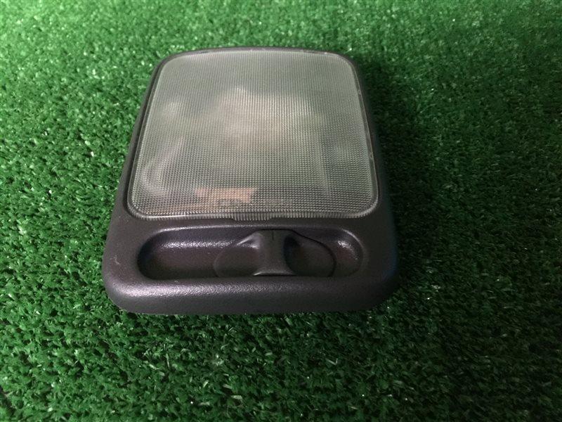 Светильник салона Nissan Cefiro A32 HA32 PA32 A33 PA33 WA32 WHA32 WPA32 VQ20DE 1997 задний (б/у)