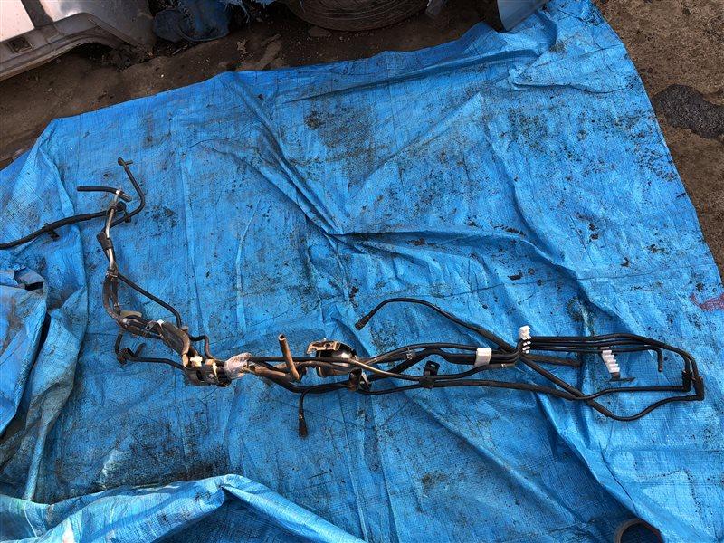 Трубки топливопровода Nissan Presage N30 NN30 PNN30 JTU30 JHU30 JNU30 JTNU30 JU30 JVNU30 JVU30 TU30 HU30 NU30 TNU30 U30 (б/у)