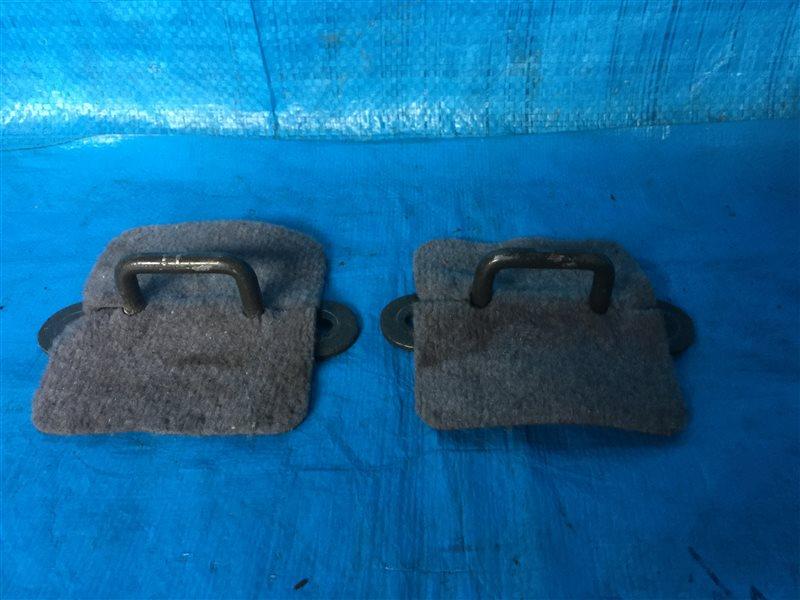 Крепление сидений Nissan Presage JHU30 JNU30 JTNU30 JTU30 JU30 JVNU30 JVU30 NU30 HU30 TNU30 TU30 U30 VNU30 VU30 KA24DE 2000 (б/у)