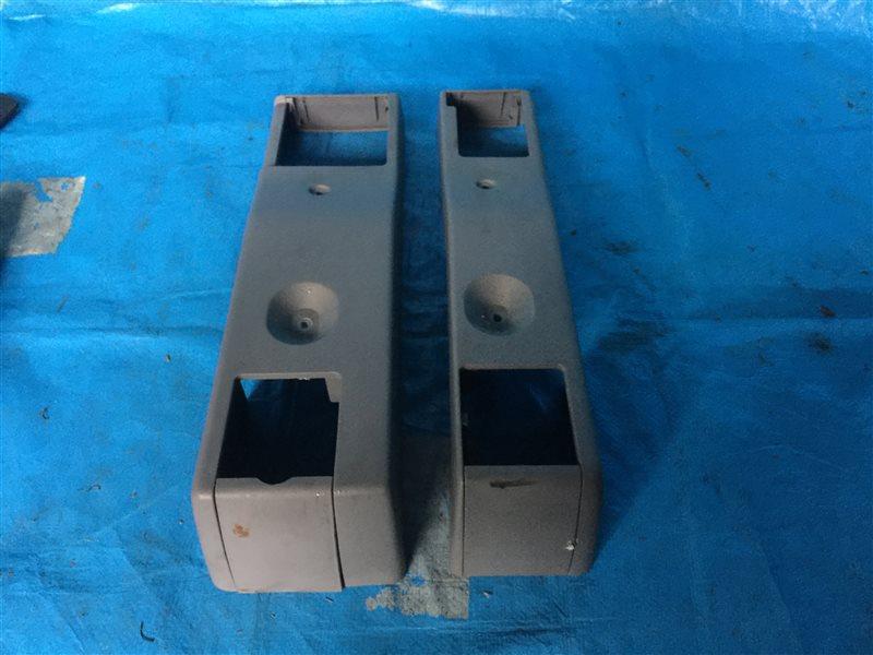 Пластик сидений Nissan Presage HU30 NU30 TNU30 TU30 U30 VNU30 VU30 KA24DE 2000 задний (б/у)
