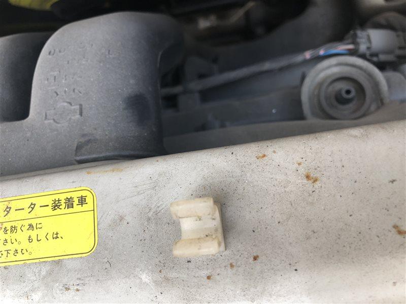 Клипса Nissan Largo CW30 NCW30 NW30 W30 VNW30 VW30 KA24DE 1999 (б/у)