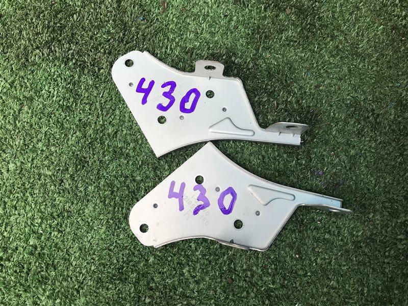 Крепление магнитофона Toyota Vista AZV50 AZV55 SV50 SV55 ZZV50 AZV50 AZV50G AZV55 AZV55G SV50 SV50G SV55 SV55G ZZV50 (б/у)