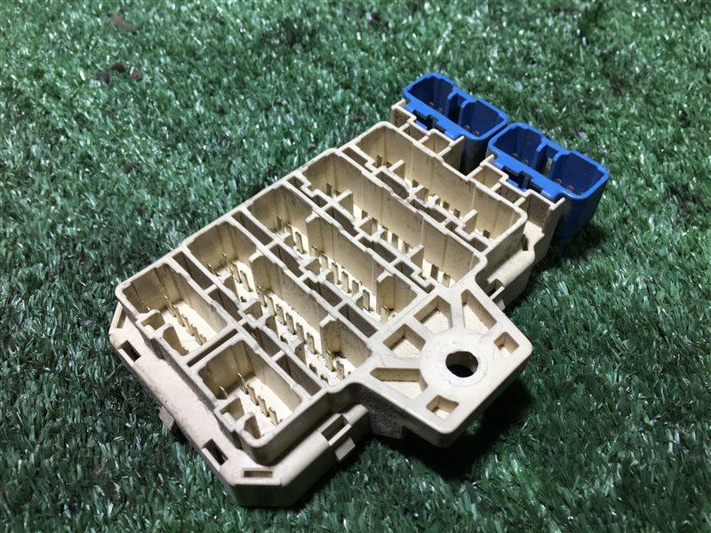 Монтажный блок салона Toyota Land Cruiser Prado KZJ95 KZJ90 KZJ90W KZJ95W RZJ90 RZJ90W RZJ95 RZJ95W VZJ95 VZJ95W KZJ90 (б/у)