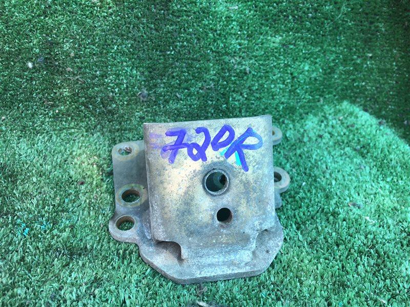 Кронштейн опоры двигателя Daihatsu Terios J102E J122E J122G J102G K3VE K3VT 2005 правый (б/у)