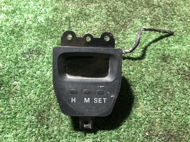 Часы Mitsubishi Delica PA3V PA3W PA4W PA5V PA5W PB3V PB4V PB4W PB5V PB5W PB6W PC3W PC4W PC5W PD3W PD4V PD4W PD5V PD5W PD6W PD8W PE8W PF6W (б/у)