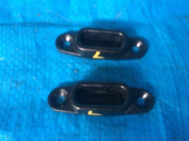 Ограничитель двери Mazda Mpv SK22L SK22M SK22T SK22V SK82L SK82M SK82T SK82V SKF2L SKF2M SKF2T SKF2V LW3W LW5W LWEW LWFW (б/у)