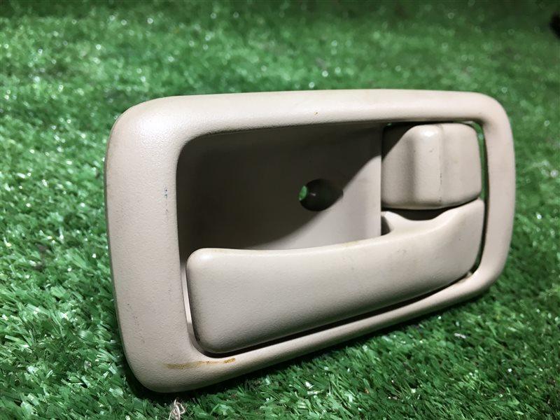 Ручка двери внутренняя Toyota Touring Hiace KCH40 KCH40W KCH46 KCH46W LXH43 LXH49 RCH41 RCH41W RCH47 RCH47W KCH16 VCH16 (б/у)