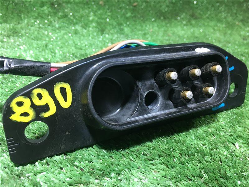 Доводчик двери Nissan Serena PNC24 C24 PC24 VC24 VNC24 SR20DE задний левый (б/у)