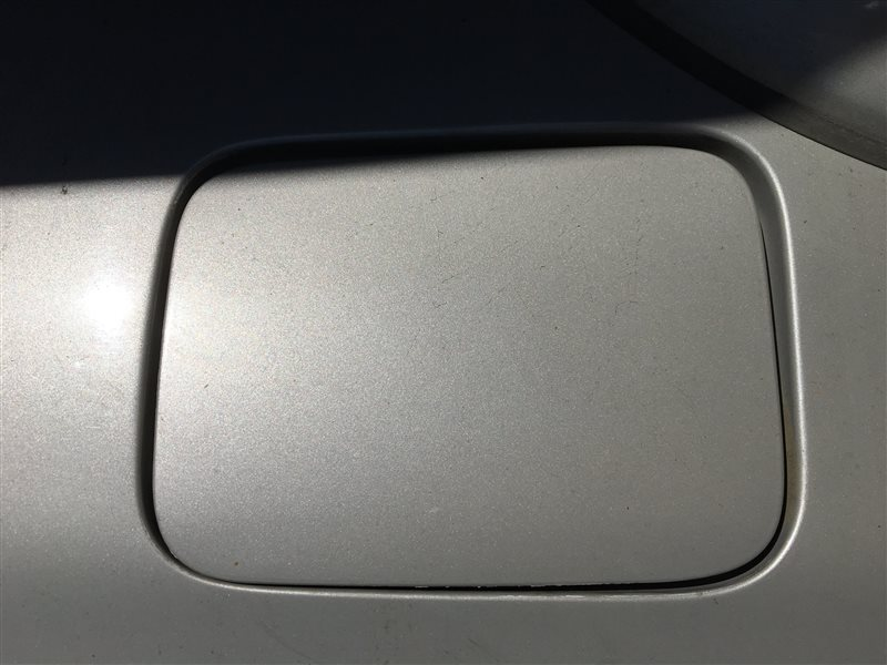 Лючок топливного бака Toyota Hilux Surf KDN185 KDN185W KZN185 KZN185G KZN185W RZN180 RZN180W RZN185 RZN185W VZN180 VZN180W (б/у)